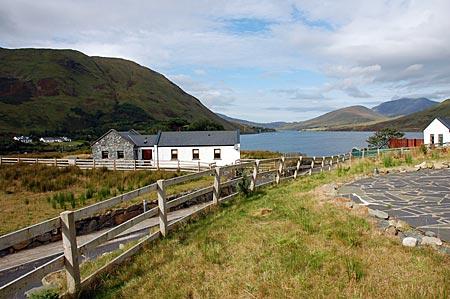 """Blick vom Cottage """"Killary View"""" auf den Fjord Killary Harbour. In Leenaun, Connemara, Co Galway, Westirland"""