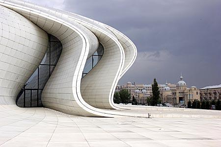 Aserbaidschan - Heydar Aliyev Museum in Baku