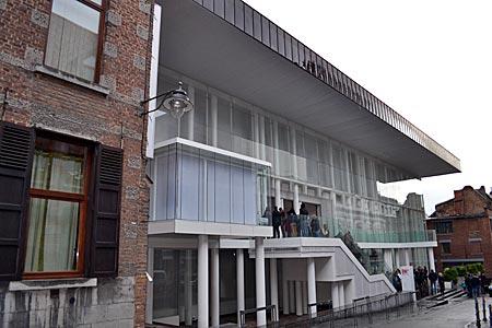 Belgien - Mons - Vorgeschmack auf 2015: Das neue Kunstmuseum in der Altstadt wird einer der Schauplätze im Kulturhauptstadtjahr sein