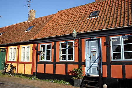 Dänemark - Bornholm in Rønne kleine bunte Häuschen