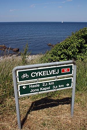 Dänemark - Bornholm - Beschilderung des Radwegs 10, der einmal rund um die Insel führt