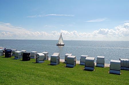 Segelboot am Wilhelmshavener Südstrand