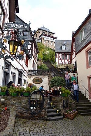 Wandererziel unweit von Cochem: Die Treppe im Winzerort Beilstein diente schon als Filmkulisse