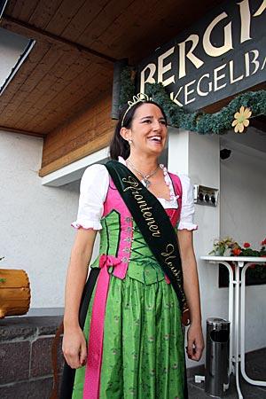 Die Pfrontener Heukönigin, Sandra I.