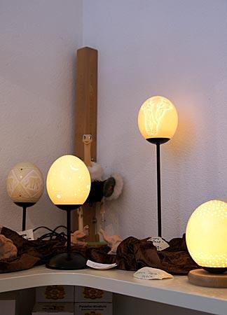 Leipheim - Lampen aus Straußeneinern