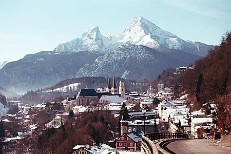 Blick auf Berchtesgaden und seinen Hausberg, dem Watzmann