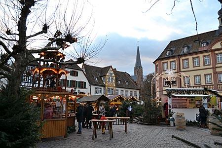 Warten auf Kunigunde: Weihnachtsmarkt in Neustadt an der Weinstraße am Mittag