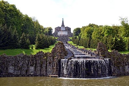 Kassel   Wilhelmshöhe   Wasser Marsch! Ausgangspunkt Der Wasserspiele Ist  Die Gewaltige Anlage Der Kaskaden