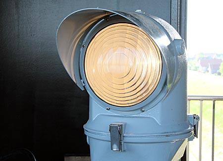 Unterfeuer Somfletherwisch - Halogenlampe ein Leuchtturm kommt mit wenig Technik aus