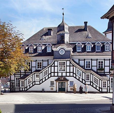 Rietberg - Rathaus (6) mit seiner imposanten doppelläufigen Freitreppe