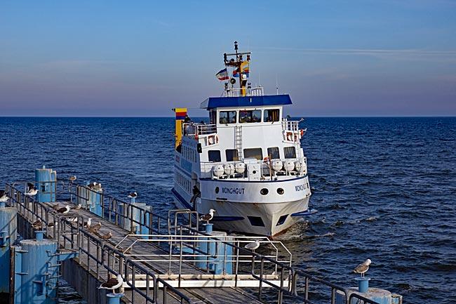 Rügen - Fährschiff Bäderlinie