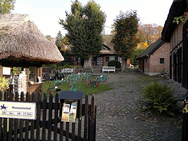Rügen - Museums-Bauernhof in Göhren in der Strandstraße