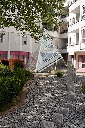 Ulm - Magirushof - Glaspyramide von Dan Graham