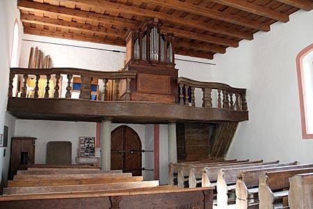 Via Nova - mittelalterliche Wehrkirche in Maurenzen