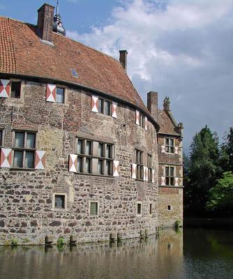 Münsterland: Burg Vischering - ebenfalls eine Wasserburg
