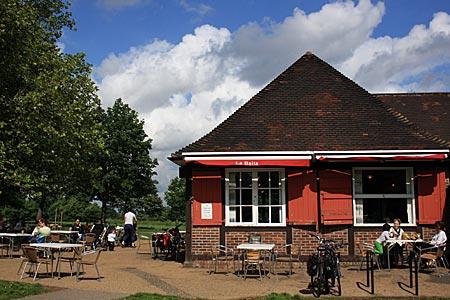"England - Clapham Common - Café ""La Baita"""