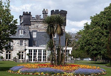 Wales - Castell Deudraeth