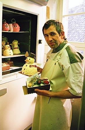 Frankreich - Elsass - Immer auf der Suche nach neuen Geschmackserlebnissen: Maître Chocolatier Christophe Meyer mit Eis- und Kuchen-Kreationen