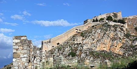 Griechenland - Blick auf Nauplia mit Palmidis-Burg