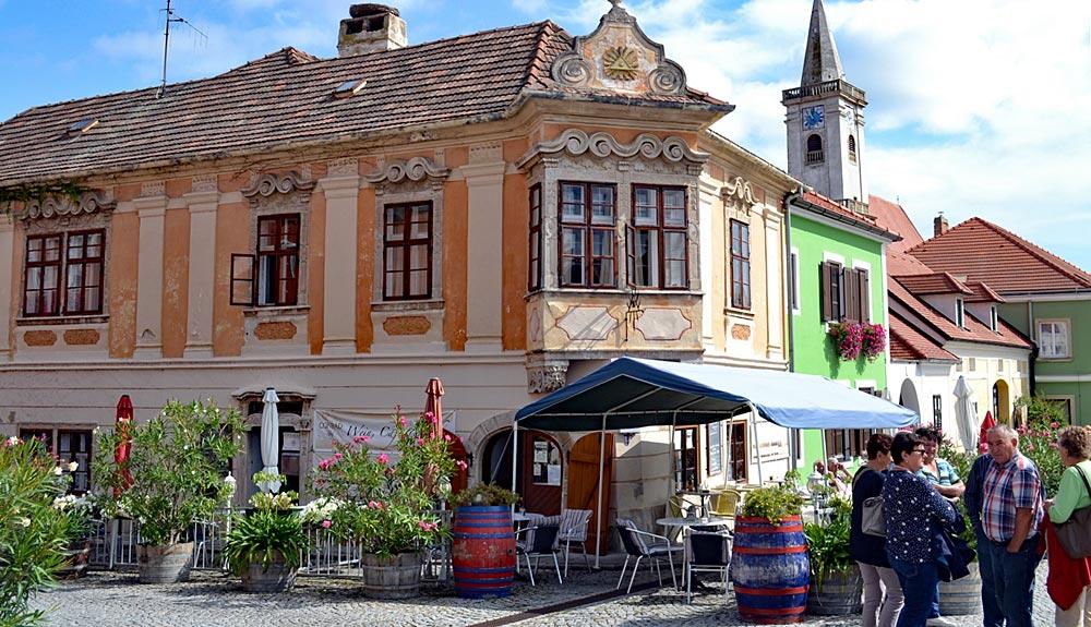 Genuss und Tradition im Burgenland