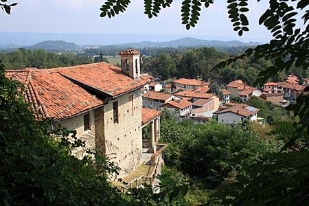 Piemont - Blicke von Colleretto Giacosa aus