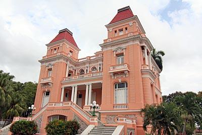 Kuba - Santiago de Cuba, Karnevalshochburg und Hauptstadt des Rums ...
