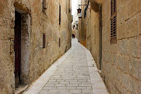Malta - Mdina - enge leere Gasse