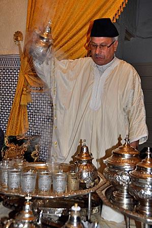 Tee-Zeremonie bei Hamid, Fès, Marokko