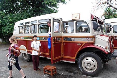 Myanmar - Bus im Kolonialstil