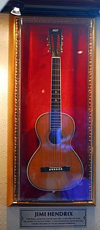 Niederlande - Amsterdam - Hard Rock Cafe - Gitarre von Jimi Hendrix