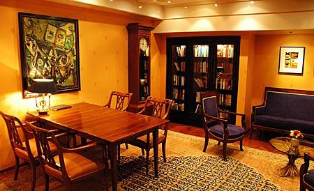 Niederlande - Amsterdam - Bibliothek des Ambassade Hotel