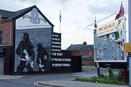 Nordirland - Wandbild in Ost-Belfast wirbt für die protestantische Ulster Volunteer Force UFV