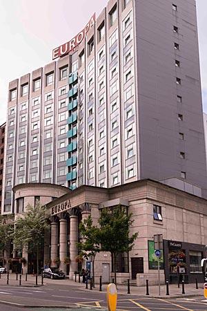 """Nordirland - Hotel Europa in Belfast: nach mehr als 28 Bombenanschlägen der IRA das """"am meisten bombardierte Gebäude der Welt"""""""