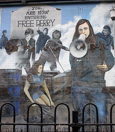 Nordirland - Murals (Wandgemälde) in/auf der Bogside (katholisches Stadtviertel) von Derry