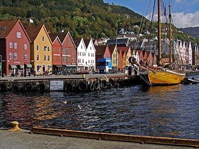 http://www.schwarzaufweiss.de/norwegen/bergen-reisefuehrer/images/bergen011.jpg