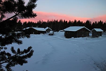 Norwegen - Hütten in Schneelandschaft in Gala