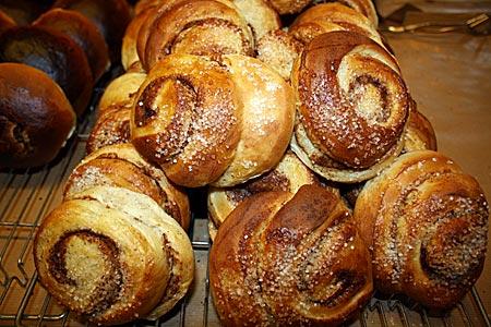 Norwegen - Lofoten - Zimtschnecken in Bäckerei