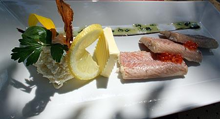 Neusiedler See - geräucherter Aal, Spezialität aus dem See