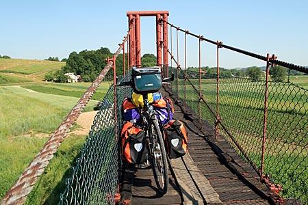 Polen - Waldkarpaten - Hängebrücke über den San