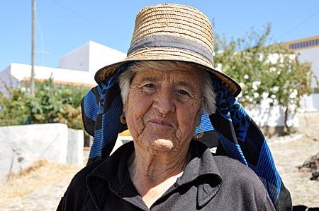 Portugal - Algarve - Furnazinhas - alte Frau