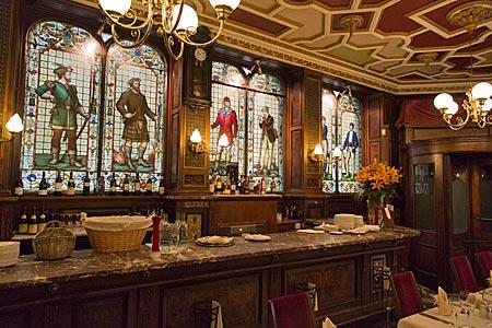 Schottland - historischer Pub in Edinburgh