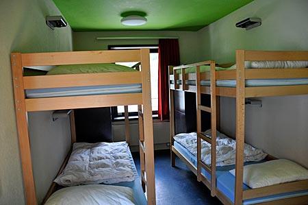 Mehrbettzimmer in der Jugendherberge Zermatt