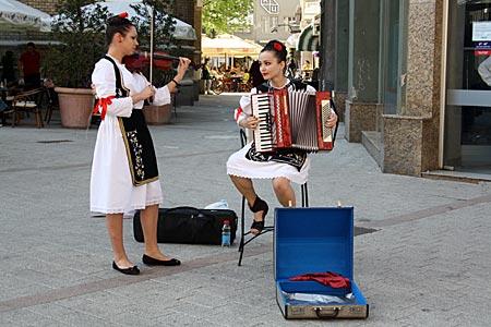 Serbien - Musikerinnen in Novi Sad