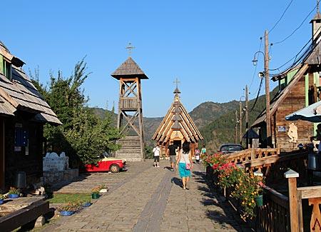 Serbien - Holzdorf Drvengrad