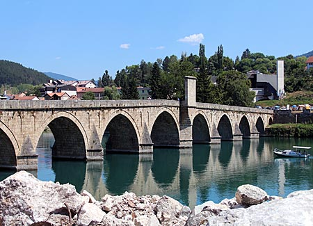 Bosnien-Herzegowina - Visegard - Brücke über die Drina