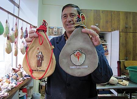 Spanien - Rioja - 20 bis 30 Trinkschläuche produziert Felix Barbero pro Tag
