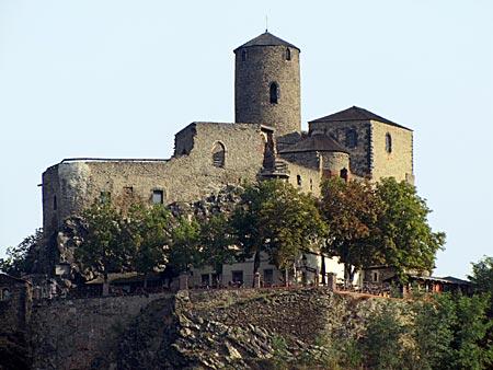 Tschechien - Burg Schreckenstein über dem Wehr Strekov