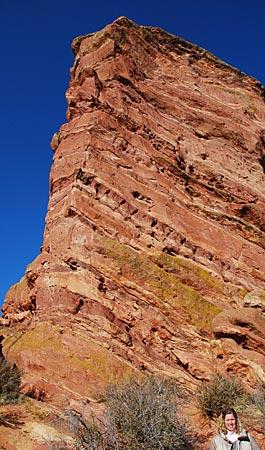 USA - Colorado - Boulder - Der rote Felsen weist den Weg zur legendären Openair-Bühne